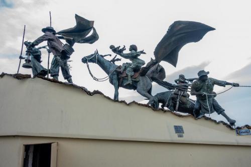 statues-4570095 1920